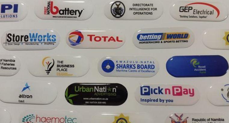 Tem Epoxy bền bỉ, tăng thẩm mỹ cho sản phẩm và quảng bá thương hiệu doanh nghiệp