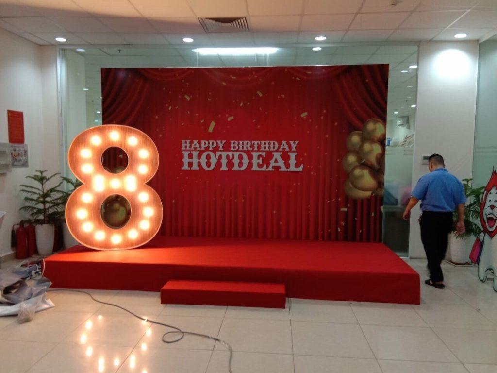 Thi công backdrop sinh nhật công ty