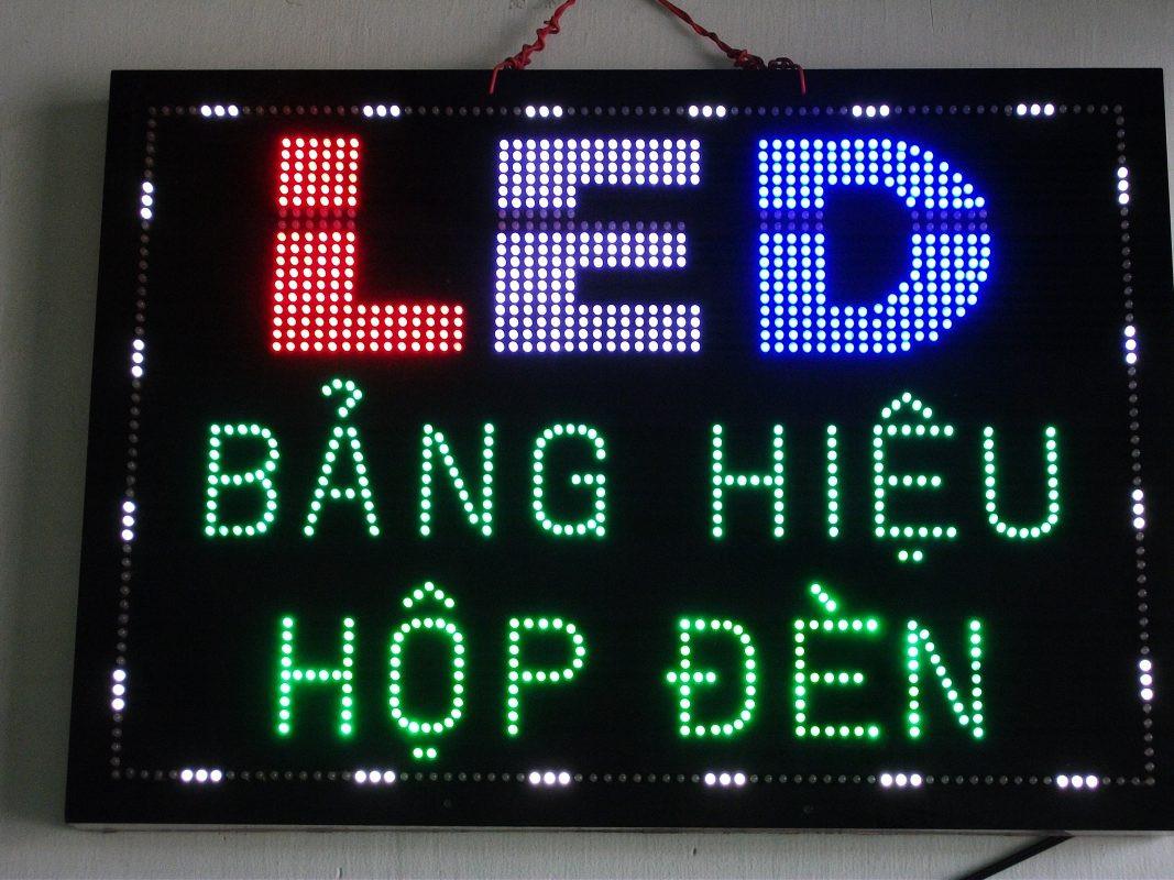 Bảng hiệu led được sử dụng quảng cáo vào ban đêm