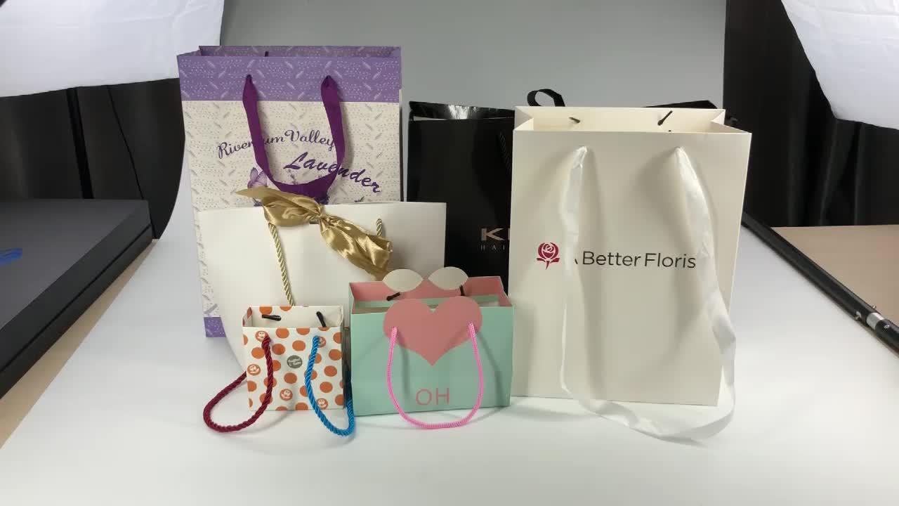 Túi giấy đẹp mắt, độc lạ chính là phương tiện giúp bạn tạo ấn tượng trong tâm trí khách hàng