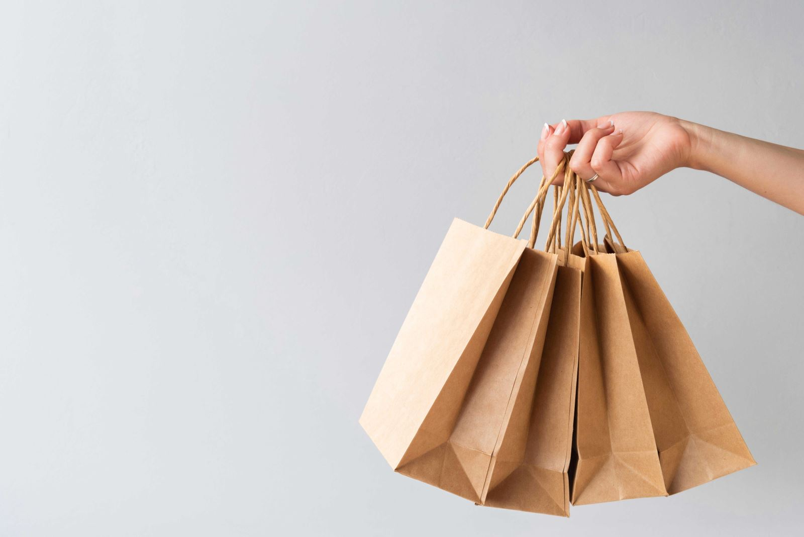 Túi giấy tái chế được sử dụng rộng rãi trên thị trường